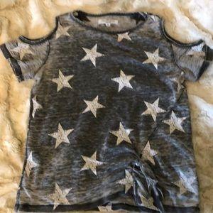 🌵 Cold shoulder tee shirt